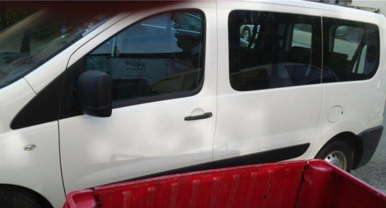 Vând Peugeot Expert 2009, 9 locuri inmatriculat PF, 2009