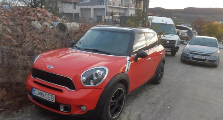 Vând Mini countryman, 2011