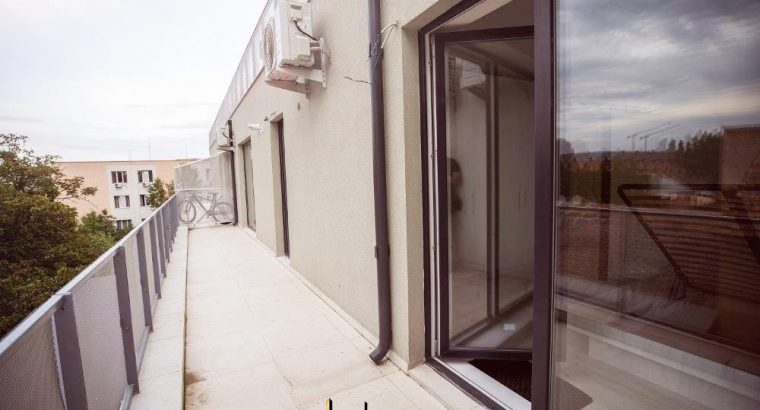 Vând apartament 2 camere, bloc nou, semicentral!