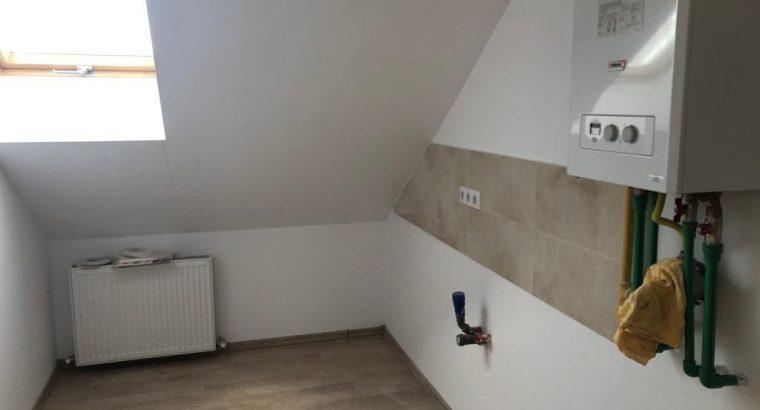 Vând apartament la Mansarda 1 camera zona Sub Cetate!