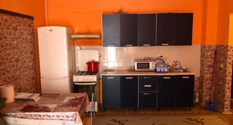 Vând apartament pe Porii 2 camere!