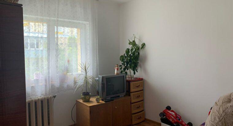 Vând apartament cu 3 camere in Zorilor