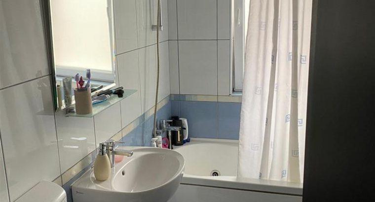 Vând apartament de vanzare zona centrala,2 camere decomandat!