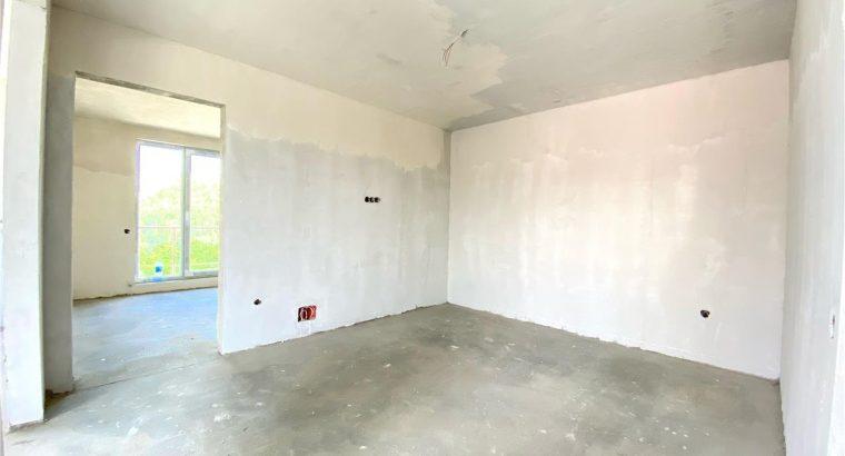 Vând apartament 2 camere cu terasa 30 mp
