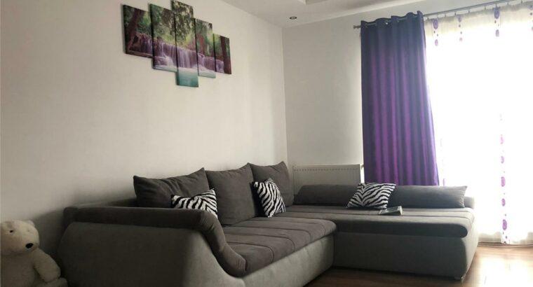 Vând apartament de vanzare 2 camere, zona centrala a Florestiului!ând