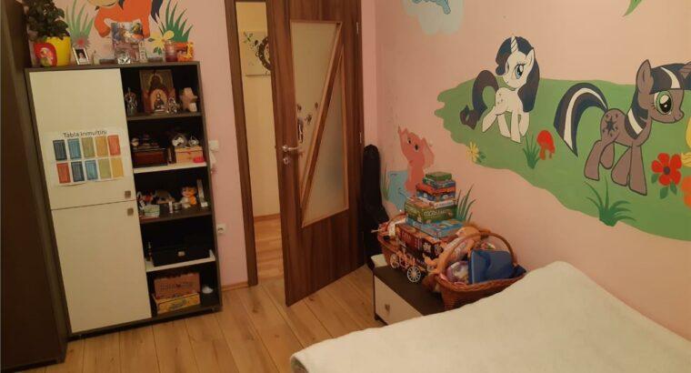 Vând apartament 2 camere decomandat zona Profi , parcare!