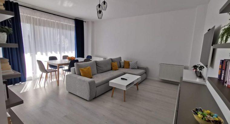 Vând apartament 2 camere decomandat mobilat utilat garaj boxa