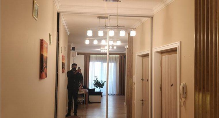 Vând apartament 2 camere semidecomandat