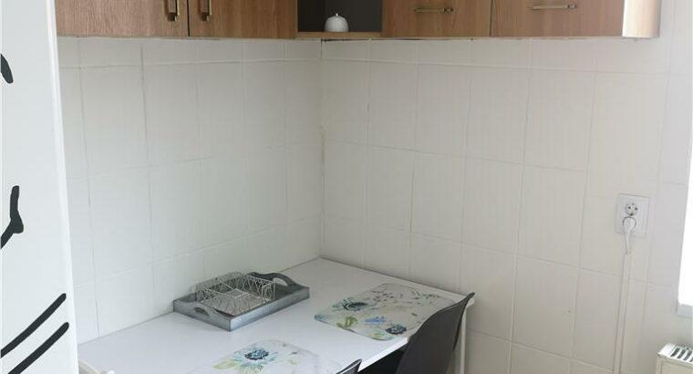 Vând apartament 2 camere decomandat