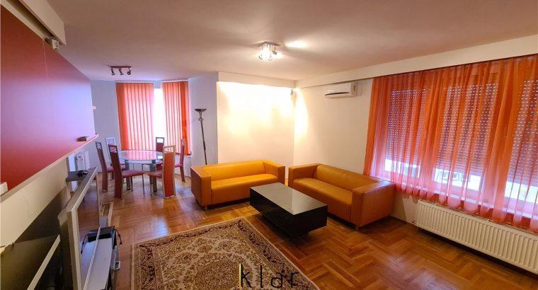 Închiriez Apartament 3 camere, terasa, parcare Zorilor, UMF !!!